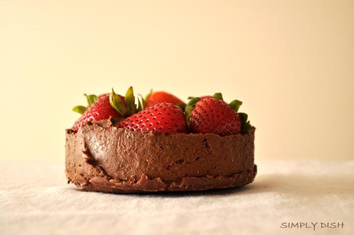 Chocolate pudding raw vegan no bake no sugar no dairy cake