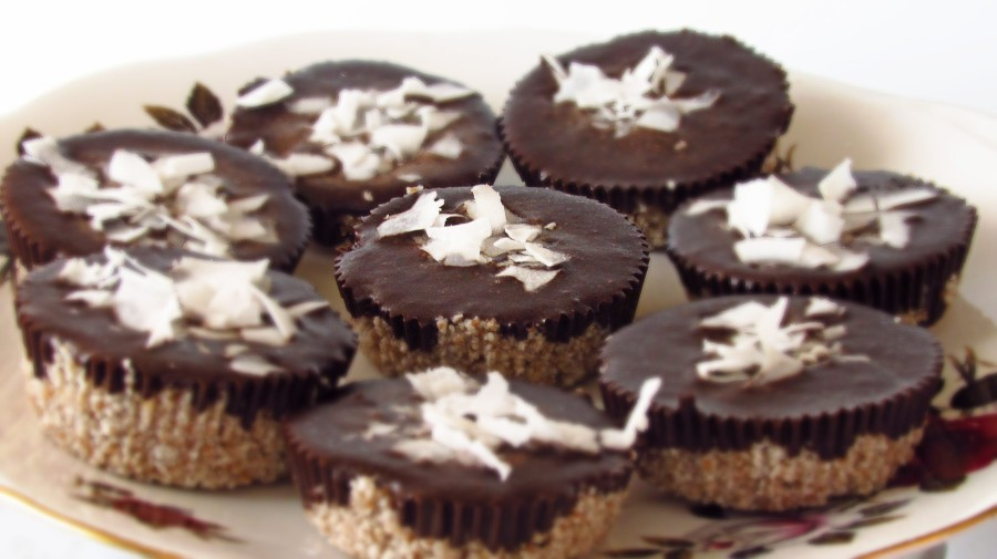 Raw Coconut Cupcakes