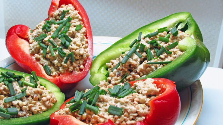 Raw Vegan Bell Pepper Boats with Chives