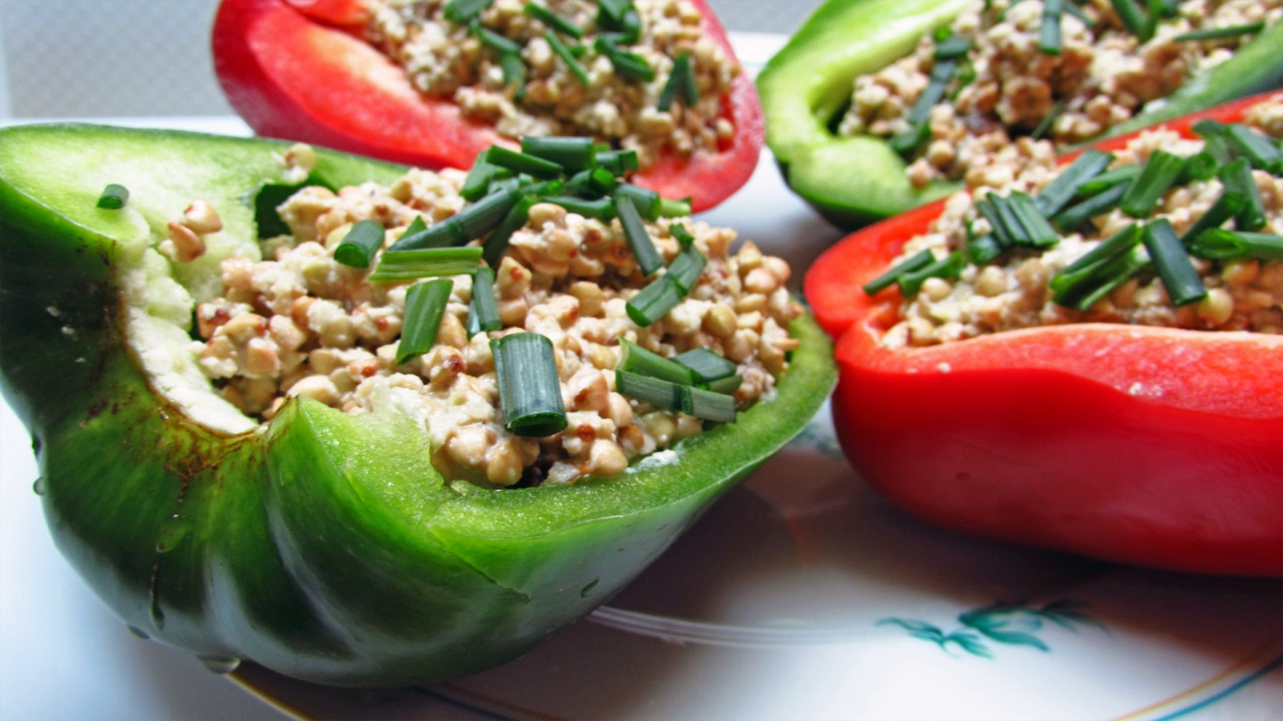 Raw Bell Pepper Boats filled with buckwheat, pine nuts and raisins