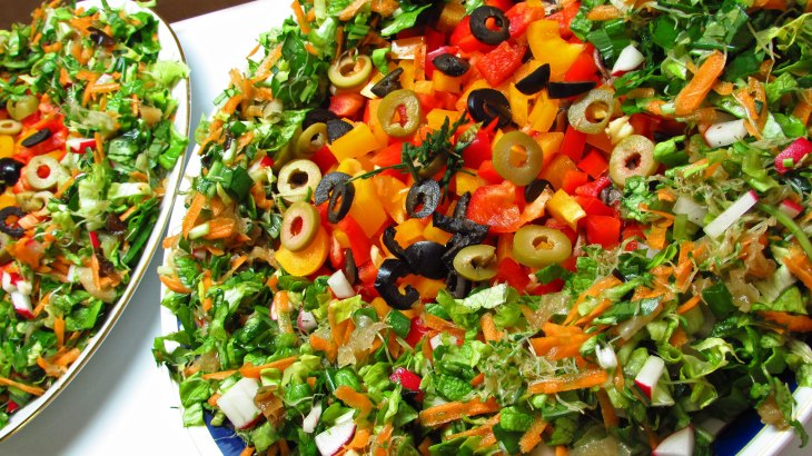 Raw Vegan No Dehydrator Pizza With Salad